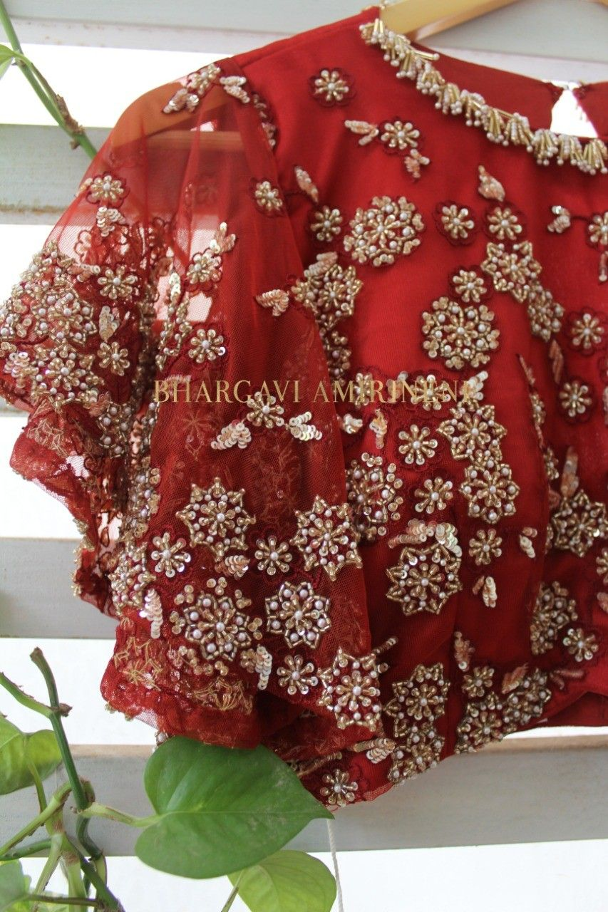 Pin By Luckysous On Blouse Designs In 2020 Blouse Work Designs Floral Tops Blouse Designs