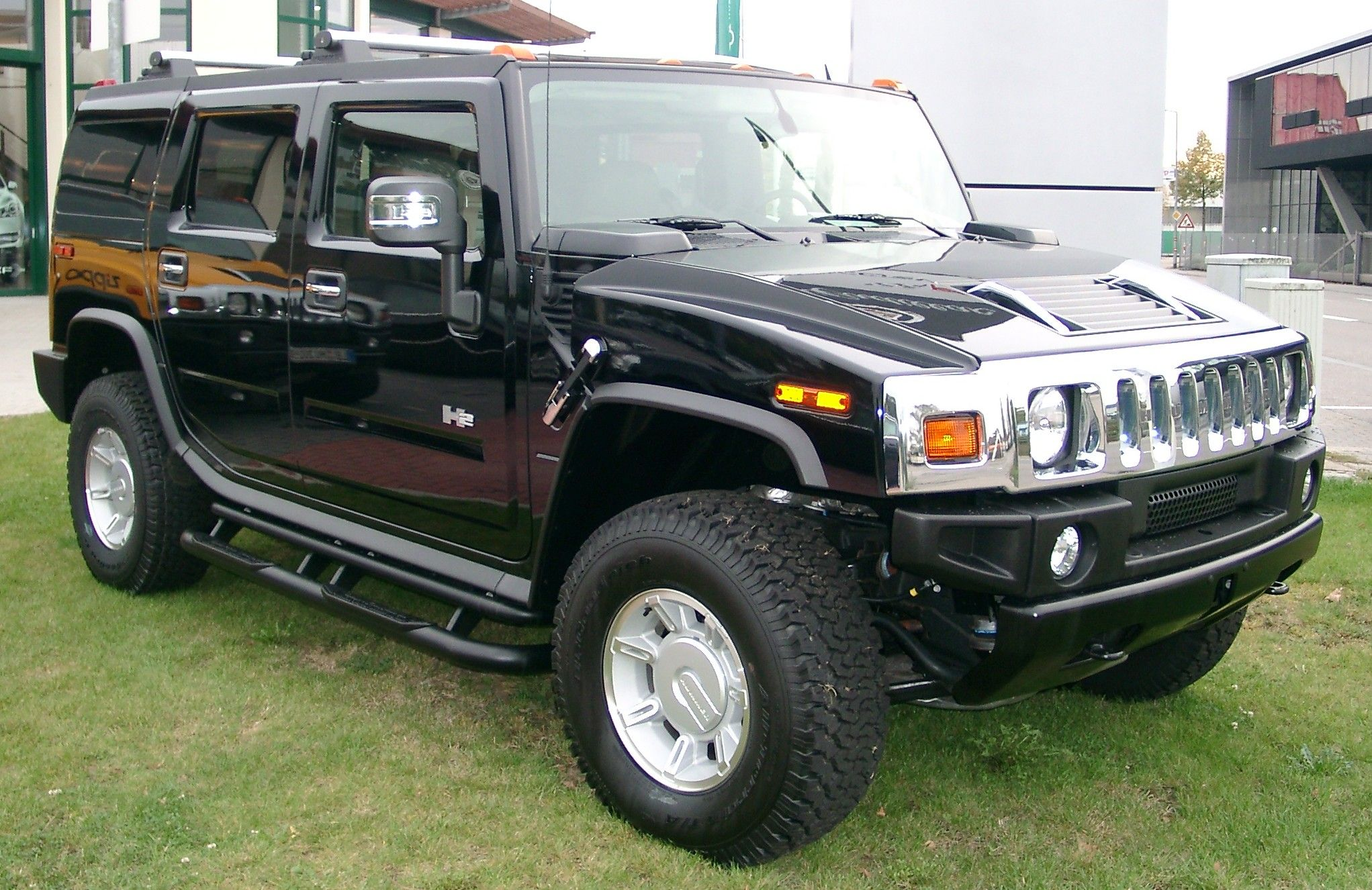 Hummer in the lawn hummer wallpapers pinterest hummer h2 and hummer in the lawn vanachro Images