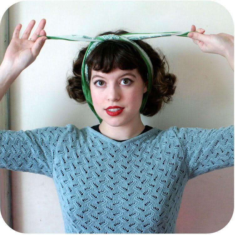 1940's headscarf- tie