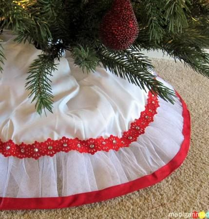 Pin by Danielle Rizzo on crafts Pinterest Tree skirts, Christmas