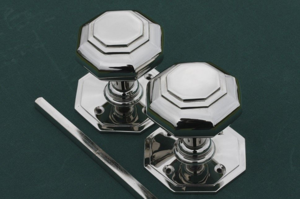 Door knobs in a Georgian Octagonal style. Available in brass or ...
