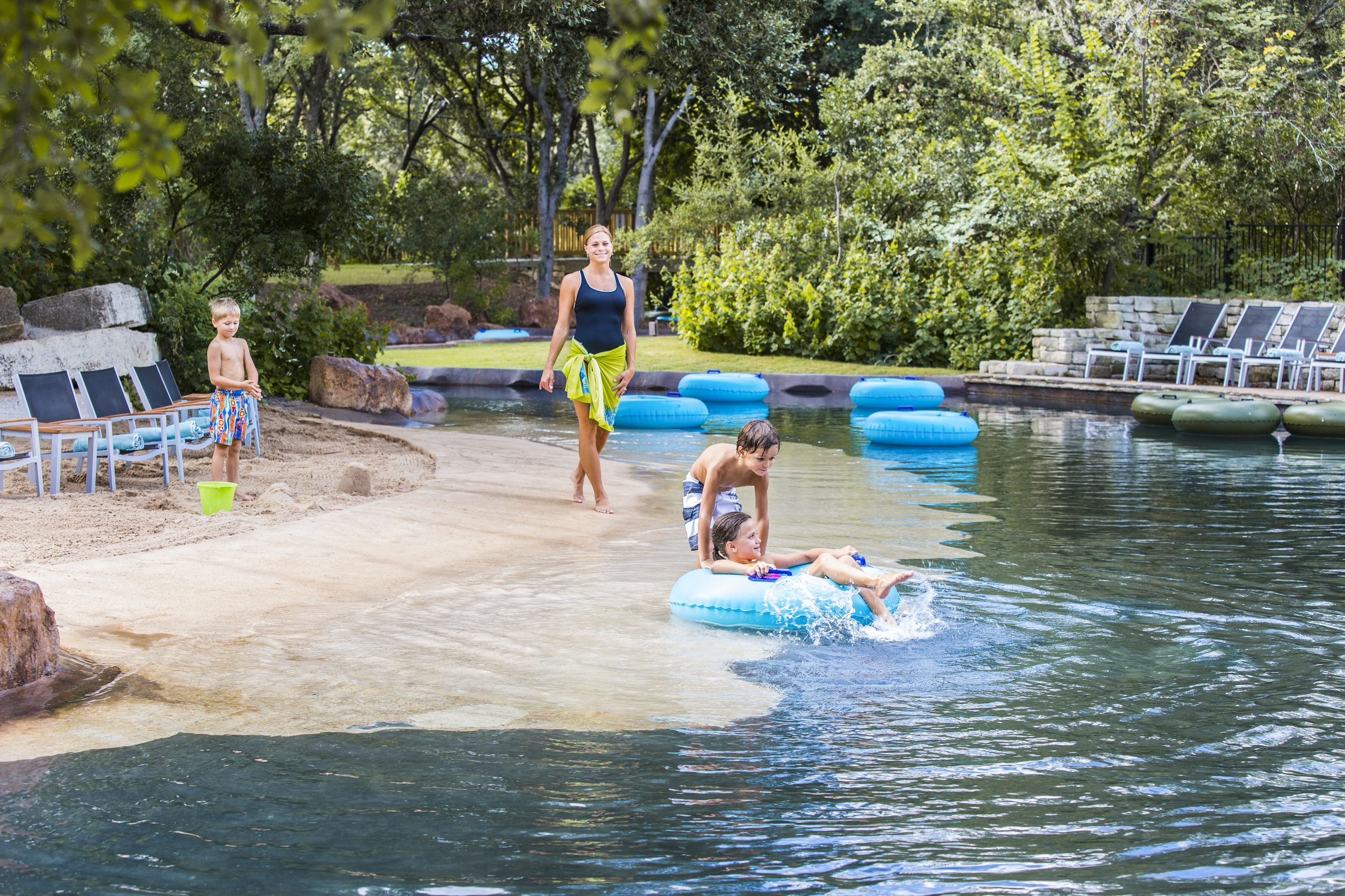 Get A Beach Vacation In The Texas Hill Country Our 950 Ramblin River Has A Beach Entry Great Hill Country Resort Family Friendly Resorts San Antonio Hotels