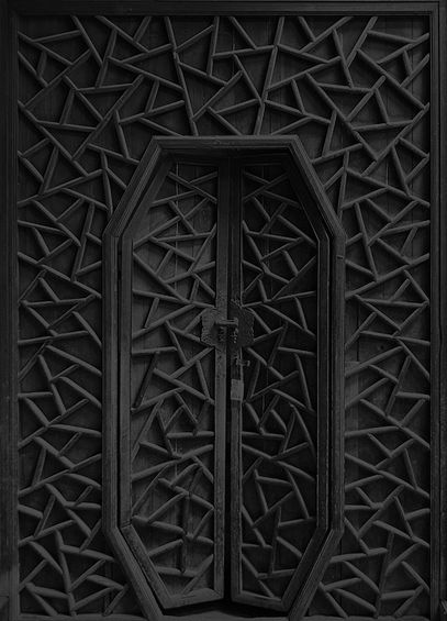 I love the pattern and texture on this door - I want to inject as much intensity and texture into the space as possible
