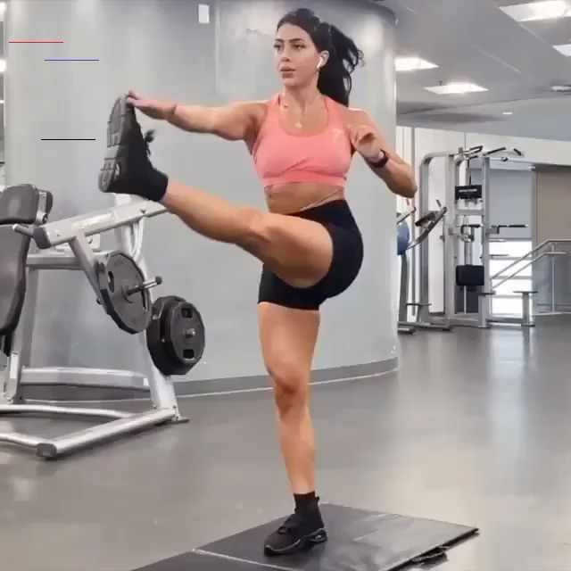 Gymshark | HIIT Workout Here's a tough HIIT workout. IG: realrubaali COMPLETE: 30 secs each slide -...