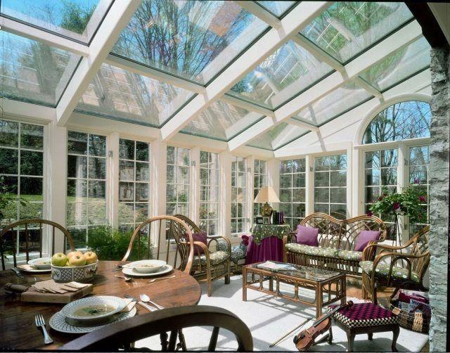 Elegant einrichtung sonniger wintergarten holz m bel glasdach