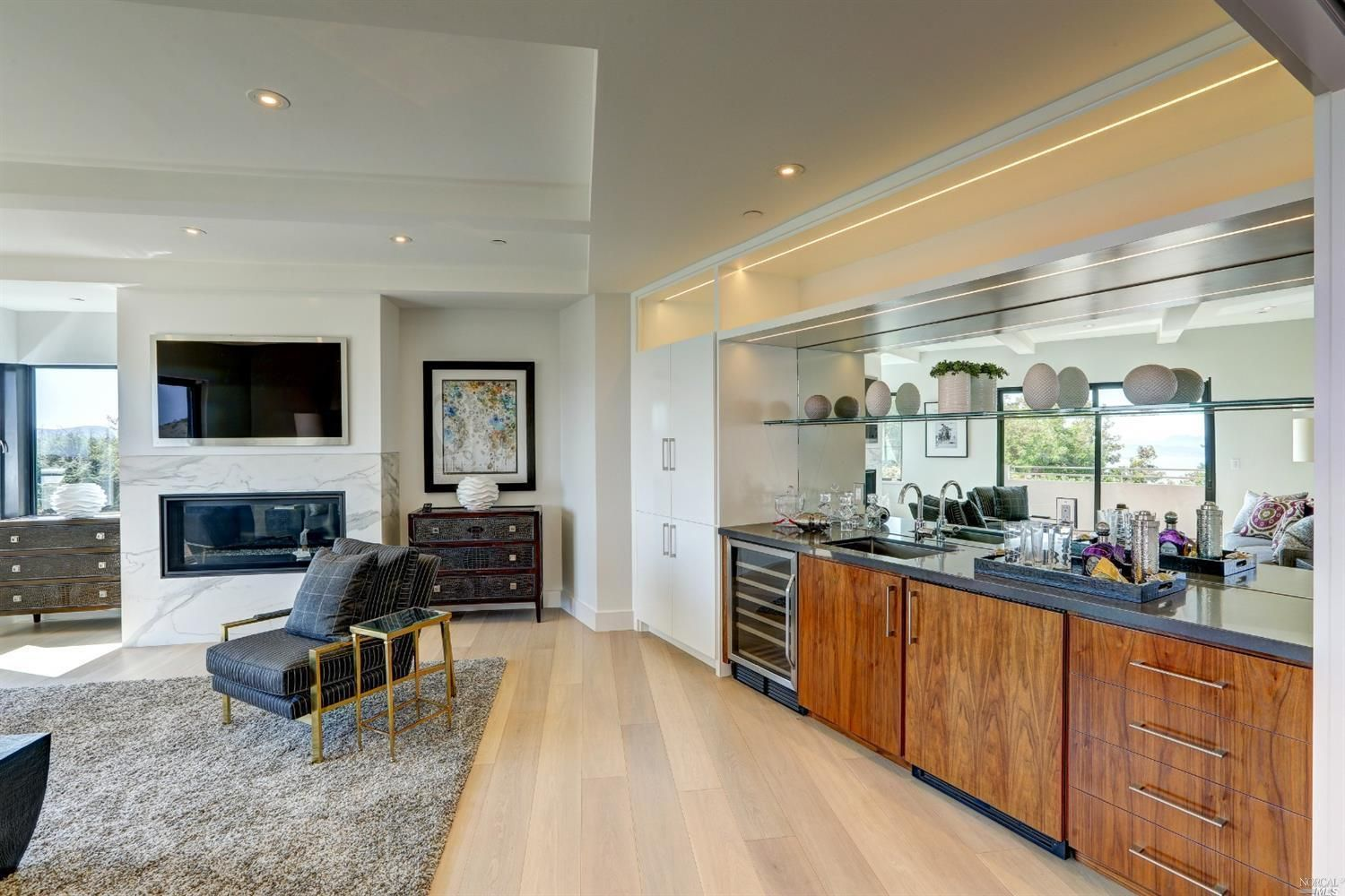86 Sugarloaf Drive Tiburon Ca 5 Bedroom 4 Bathroom Single Family Residence Built In 1968 See Photos And More Homes For Home Sale House Contemporary House
