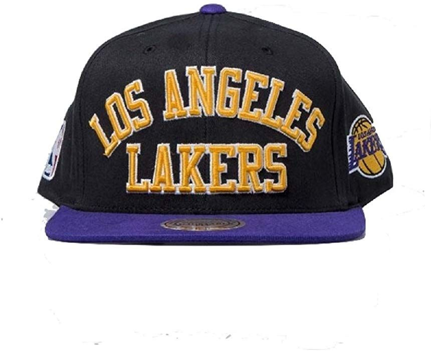 brand new e60d2 7d0fa Official Mitchell   Ness Los Angeles Lakers Men s Baseball Cap NBA  Basketball Black Black One size  Amazon.co.uk  Clothing
