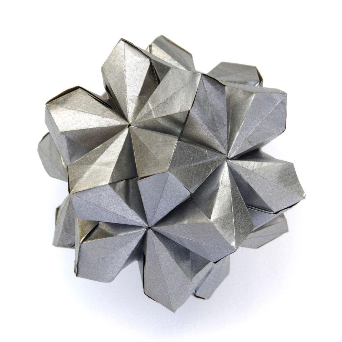 Amazing Origami Artworks by Ekaterina Lukasheva – Inspiration Grid   Design Inspiration #art #artwork #origami #paperart #paper #papercraft #inspirationgrid