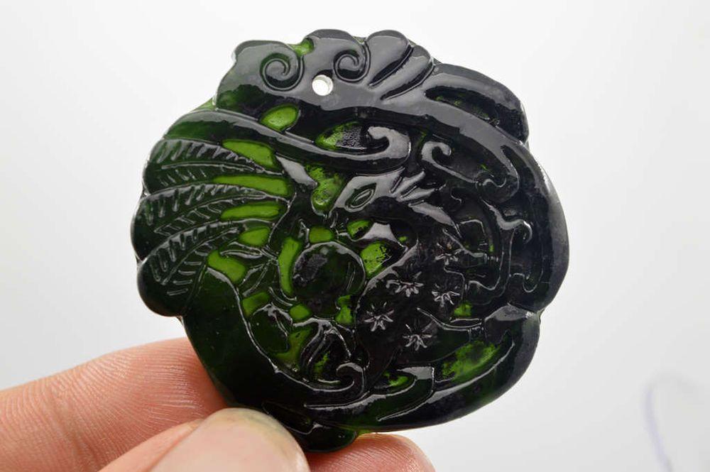 China/'s natural jade nephrite carving black jade pendant Dragon
