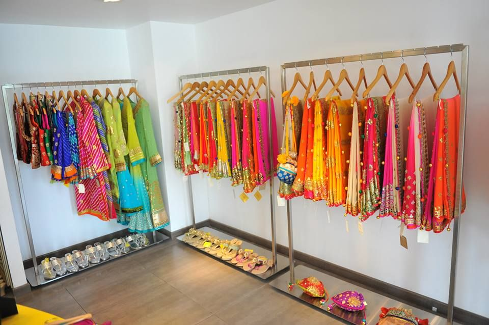 sarees | Clothing boutique interior, Boutique interior ...
