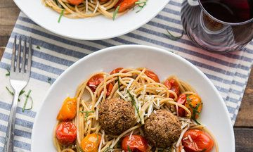 10 Vegetarian Meatball Recipes That Prove You Don't Need Meat