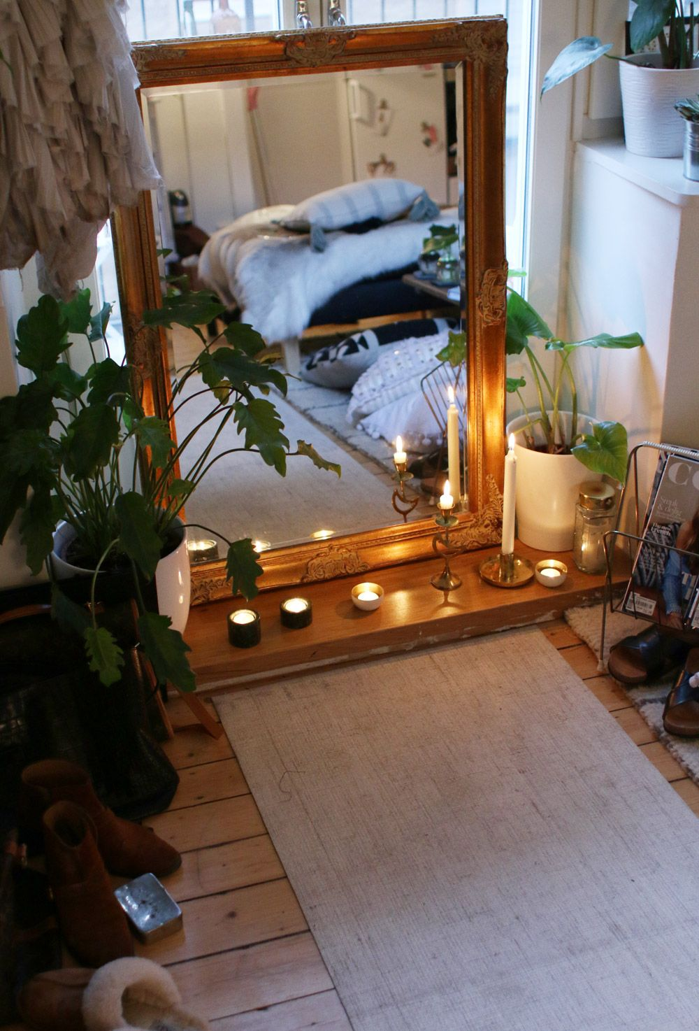 cool meditation space meditation Hippie bedroom, Retro