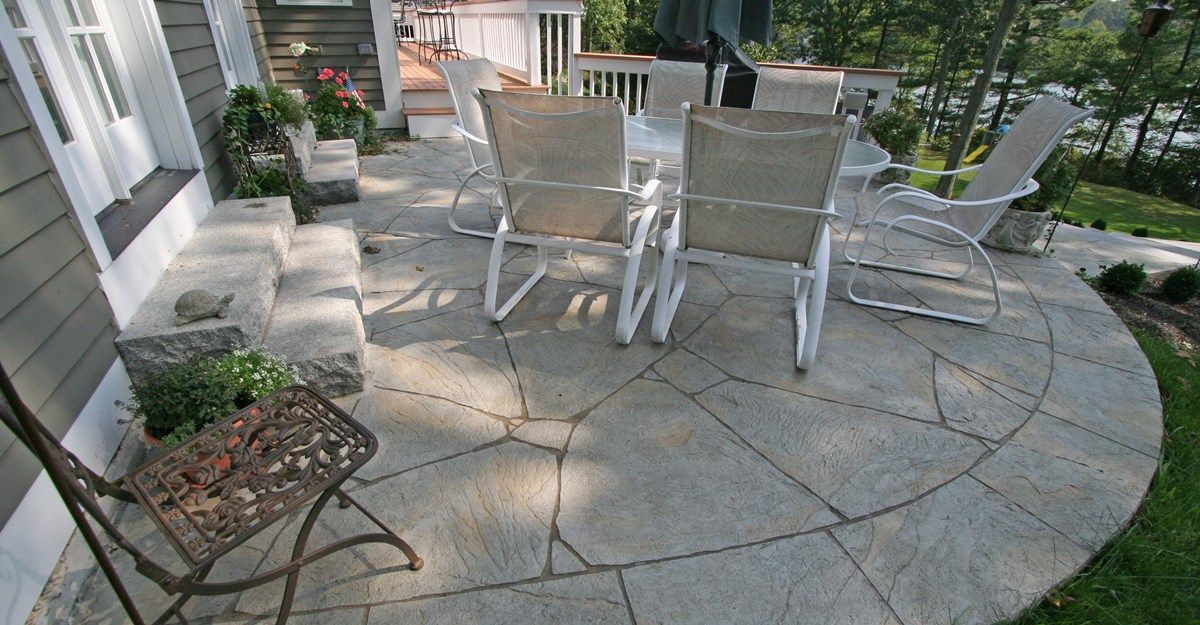 Curved flagstone concrete patios new england for Flagstone patio designs