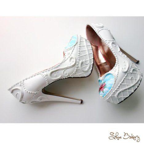 6080a1c23a86d0 Shoe Bakery – Pinup Schuhe im Torten-Look Oh mein Gott! Diese Schuhe müssen