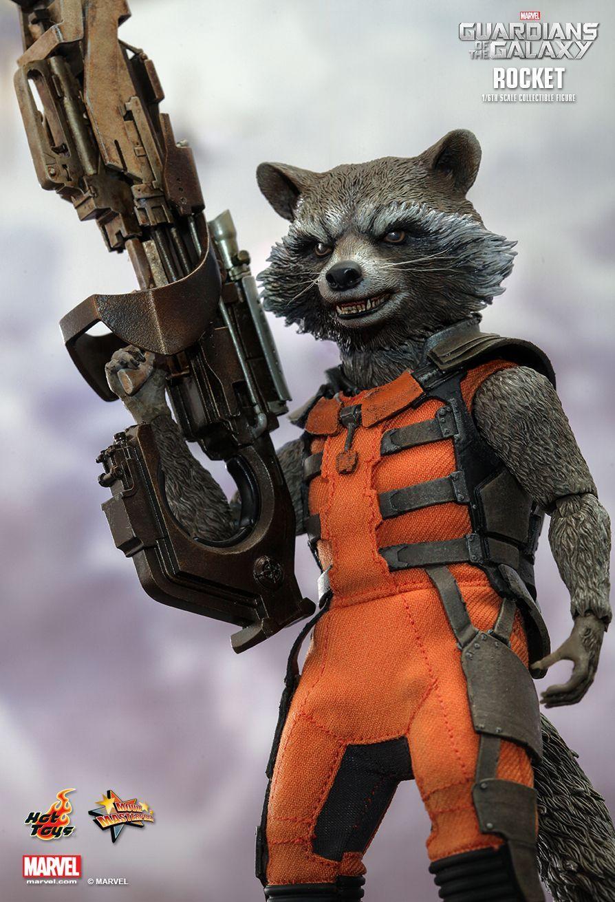 Rocket-Raccoon-Hot-Toys-Sixth-Scale-Figure-Holding-Gun.jpg (894×1311 ...