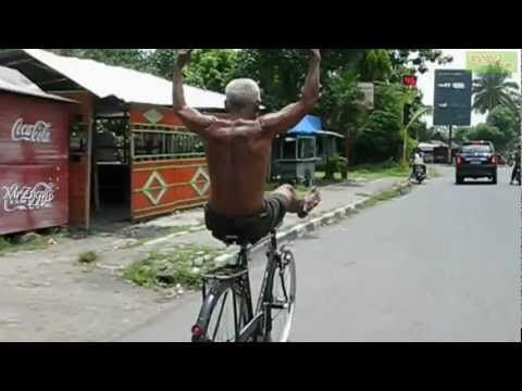 Videos For Fun: Funny and CRAZY Old Man Riding Bicycle