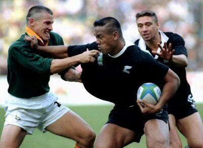 James Small Deals With Lomo All Blacks Rugby World Cup Rugby