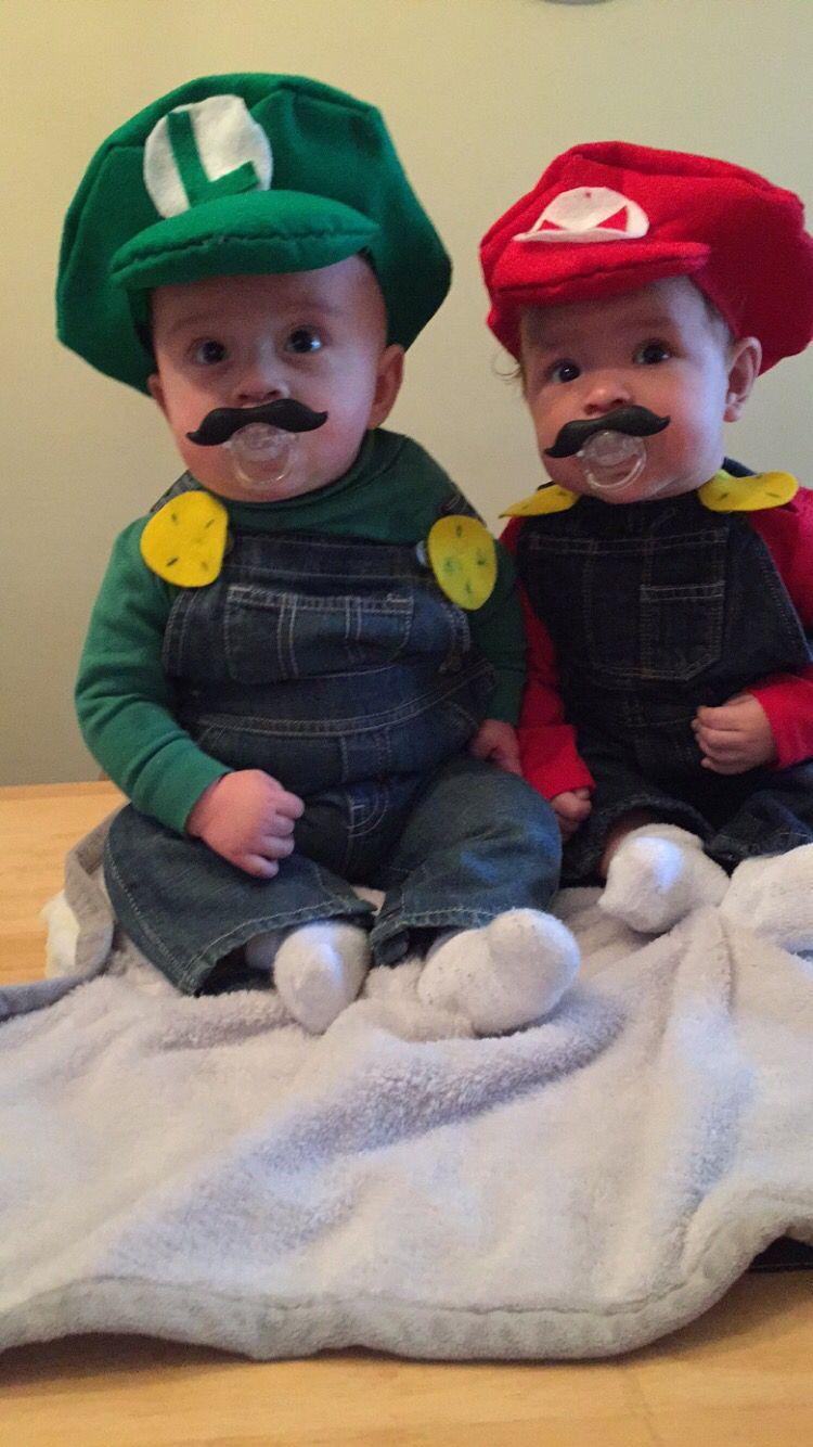 Baby Mario u0026 Baby Luigi costumes  sc 1 st  Pinterest & Baby Mario u0026 Baby Luigi costumes | Halloween | Pinterest | Luigi ...