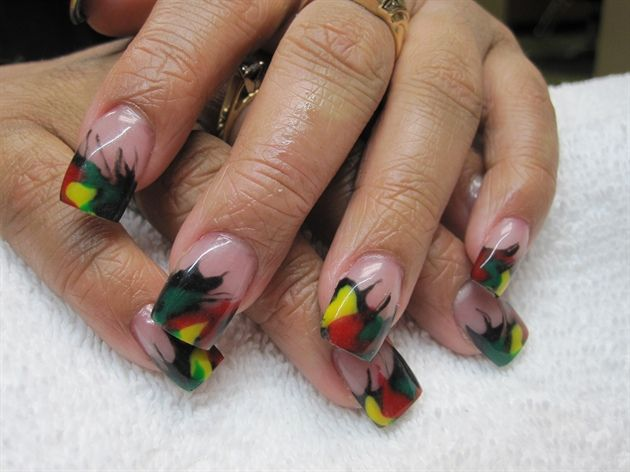 Reggae Nails Red Gold And Green Pinterest
