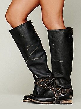 Pin by Mita on Fashion | Boots, Tall boots, Fashionable snow