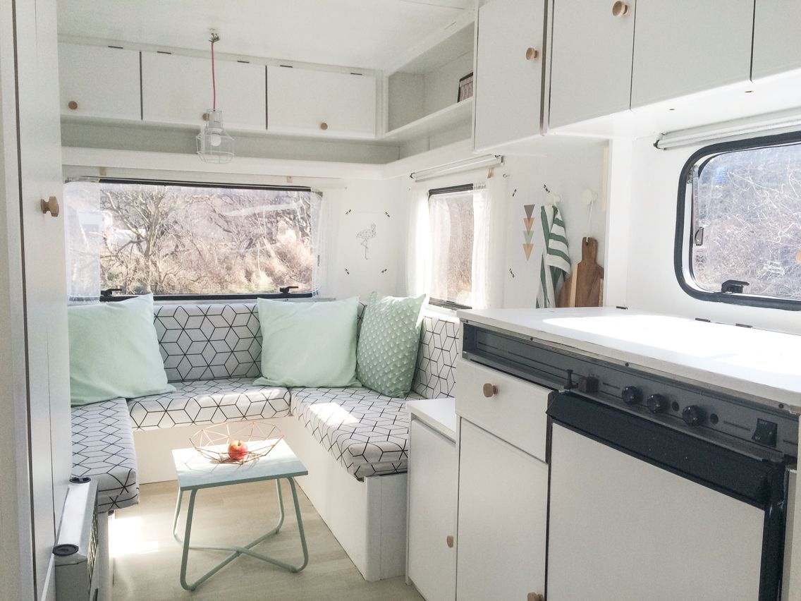 caravanity caravan restyling yurt rv living tiny wohnwagen wohnwagen renovieren wohnwagen. Black Bedroom Furniture Sets. Home Design Ideas