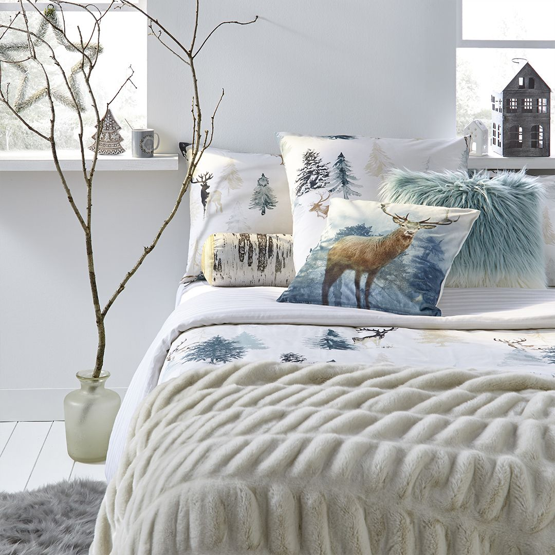 Cocooning Noel Hiver Winter Couette Chambre Blanc Sapin Cerf Home Sweethome Deco Maison Deco Table Noel Linge De Lit