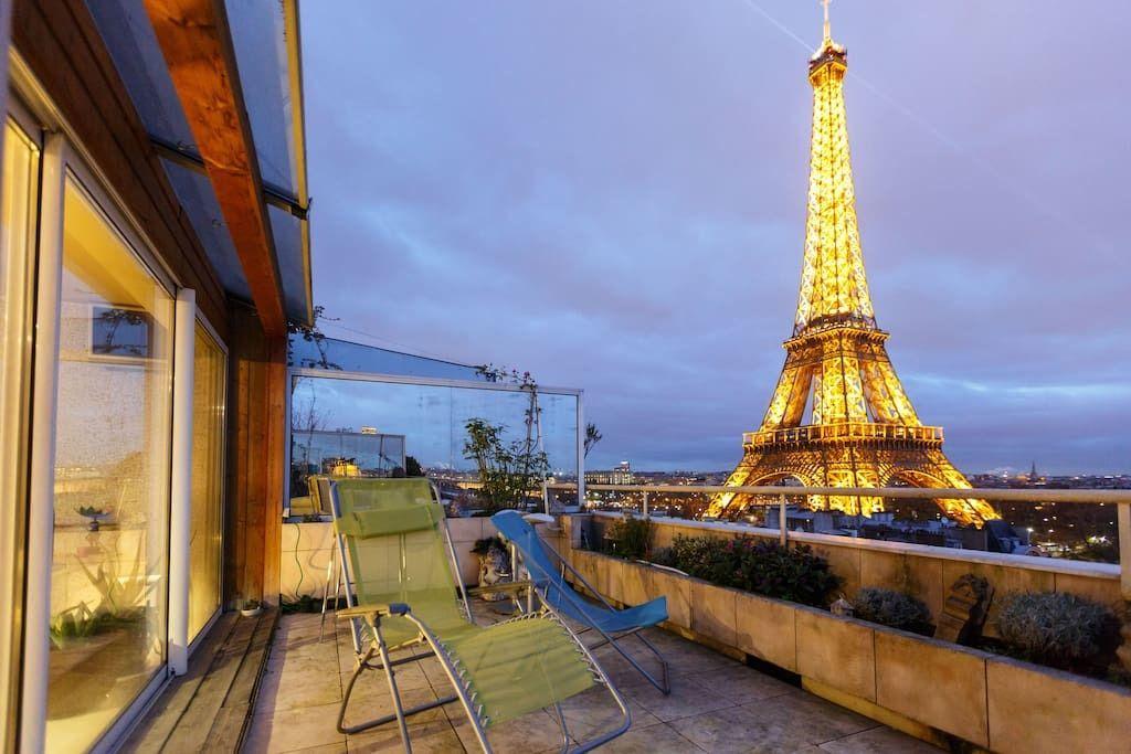 Bonjour Eiffel! 13 Romantic Airbnbs In Paris With Eiffel Tower Views - Updated 2019 #eiffeltower