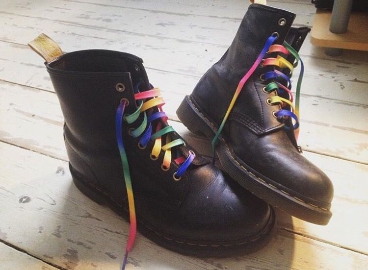 select for original better price new authentic Dr Martens and rainbow laces x | ropa comoda | Ropa cómoda y ...