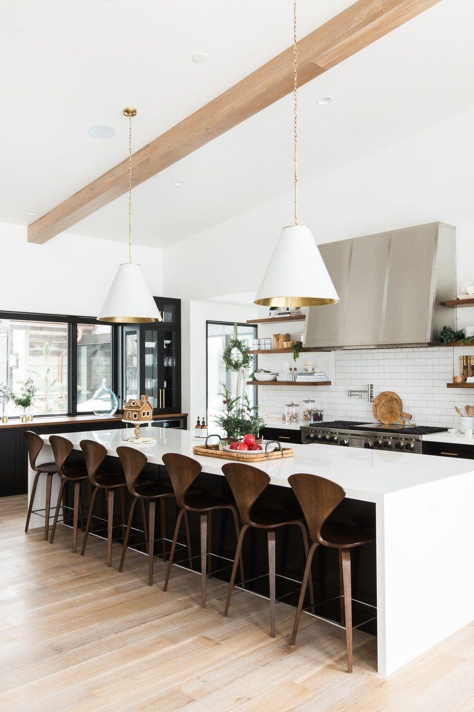 A Very Mountain Home Christmas | Kitchen decor, Kitchens and Studio ...
