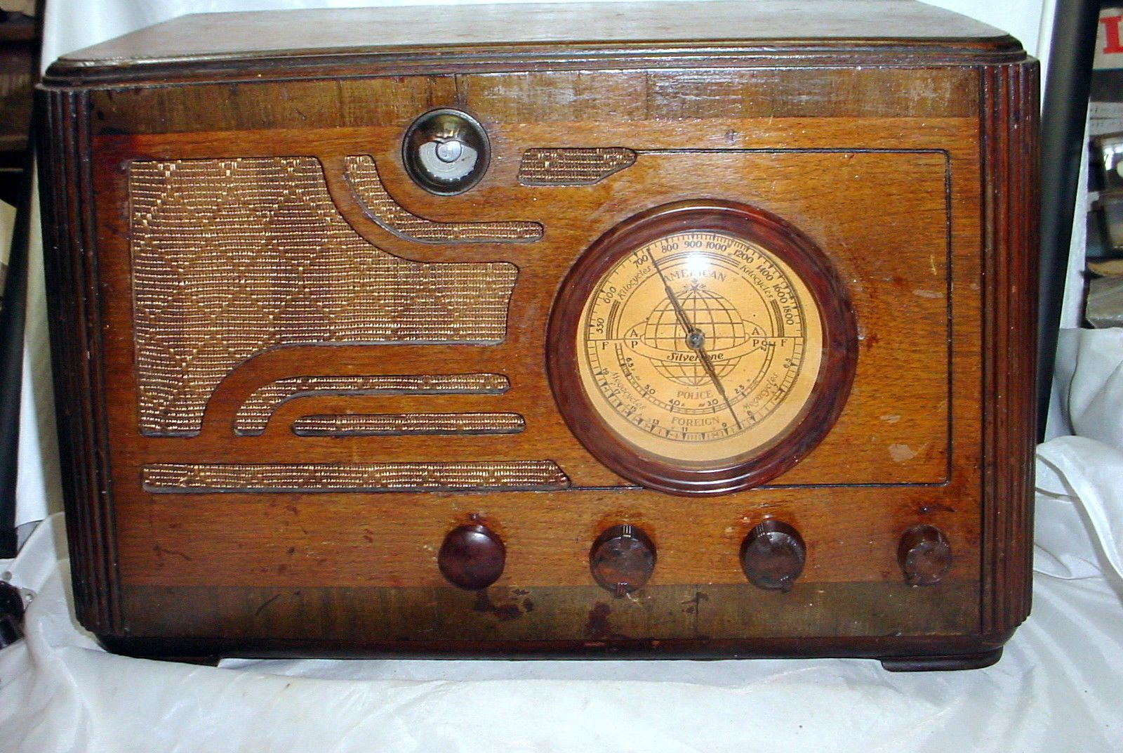 Vintage Silvertone Model 4566 Am Sw Tube Radio With Magic Eye Tube Works Great Ebay Antique Radio Vintage Radio Old Radios