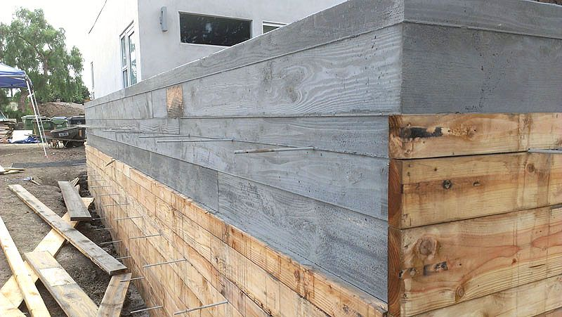 Poured In Place Concrete Wall Google Search Poured Concrete Concrete Wall House Exterior