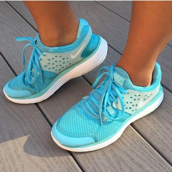 periscopio Finito miscela  🎁 Nike Lunarlon running shoes light blue 7.5 | Nike, Running shoes, Shoes