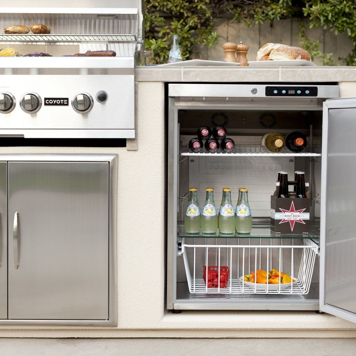 Keep Beverages Cool And Close To The Grill With Outdoor Refrigeration From Coyote Coyotegrills Coyo In 2020 Outdoor Refrigerator Outdoor Appliances Outdoor Kitchen