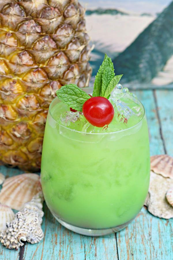 Photo of Alcoholic Drinks – BEST Hawaiian Cocktail Recipe – Easy and Simple On The Rocks Green Iguana