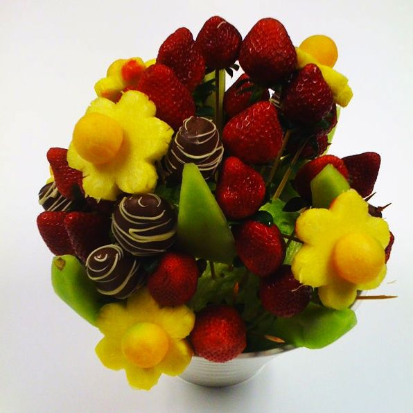 Another fine example of an edible bouquet...   Kitchen magic ...