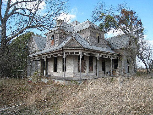 1800s Texas Farmhouse in 2020 Abandoned farm houses, Old