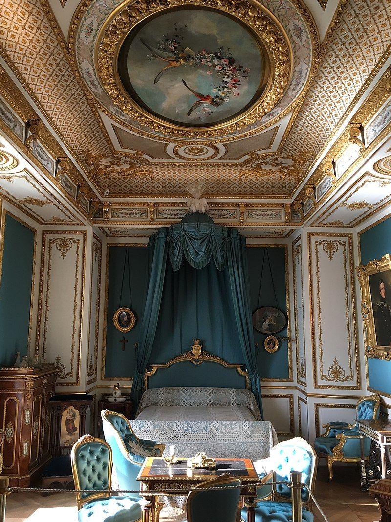 Epingle Par Pascale L Sur House Dream En 2020 Chambre De Chateau Chambre De Luxe Moderne Petit Appartement