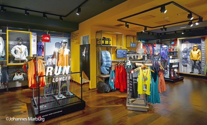 The north face flagship store by green room milan italy for Green room retail