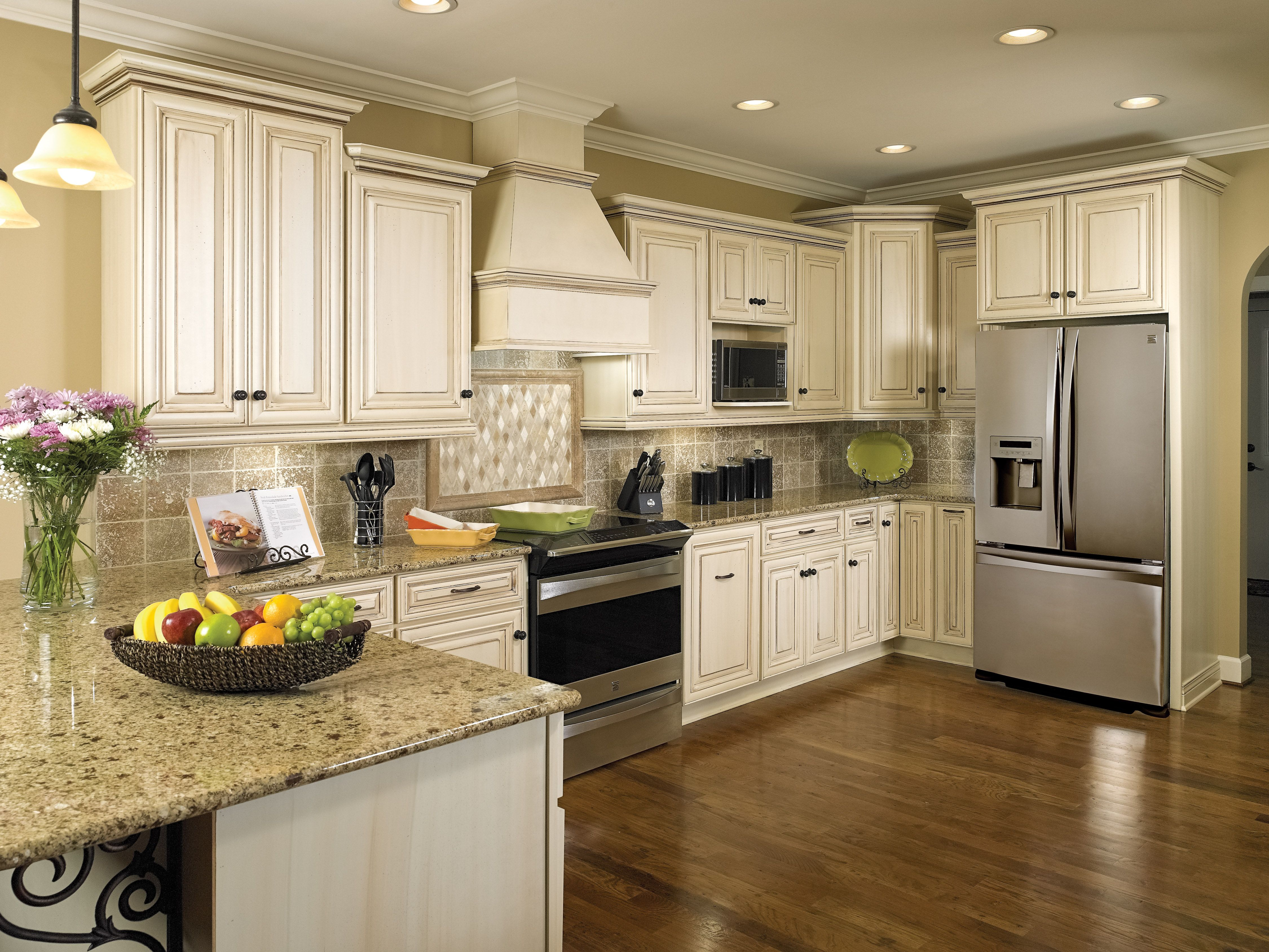 Classy White Kitchen By Master S Men Remodeling In Columbia Sc Kitchen Gallery Kitchen Granite Countertop Designs