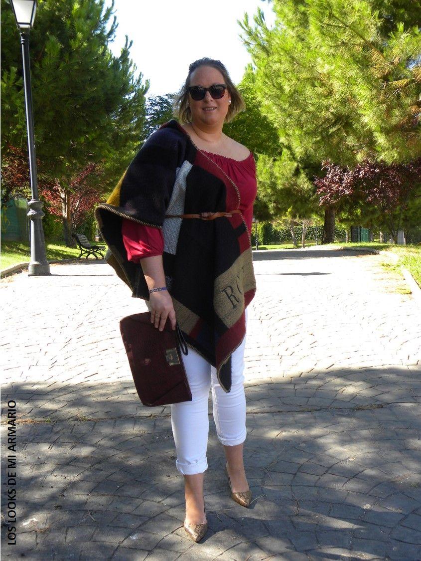Capa Manta Burberry Jeans Blancos Zapatos Piton Look Talla Grande Curvy Plus Size Outfit Chic Los Looks De Mi Armario Blogger Madr Look Otono Otono Casual Look