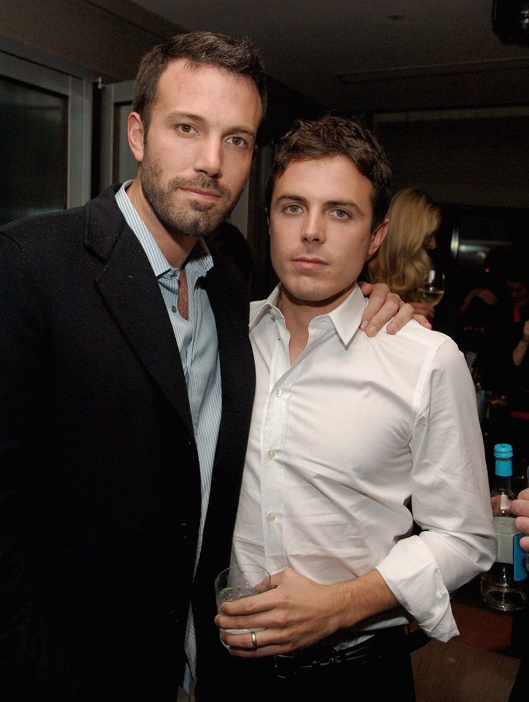 14 Times Ben And Casey Affleck Showed Brotherly Love Casey Affleck Ben Affleck Superman Ben And Casey Affleck