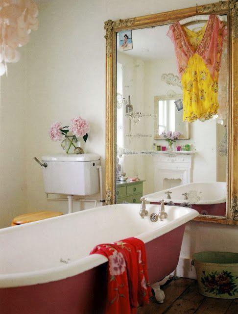 Feminine vintage style bathroom