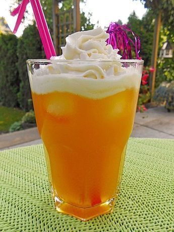 Photo of Liqueur 43 with passion fruit juice and Singingbee cream chef