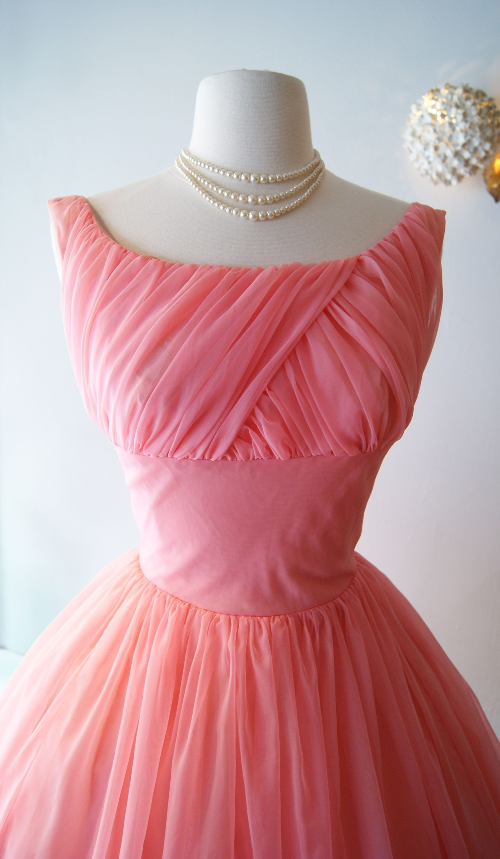 1950\'s - This is gorgeous | I ♥ Vintage | Pinterest | Vestiditos ...