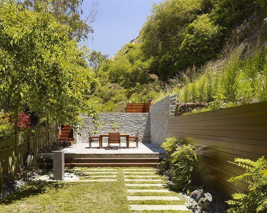 ideen hangbefestigung-Natursteinmauer bauen-regelmäßiges - terrasse hanglage modern