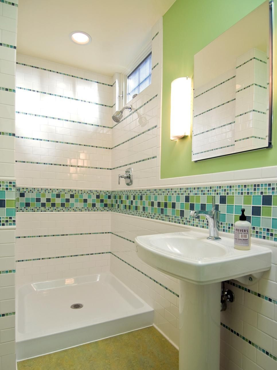 Bathroom Tiles Green And White -