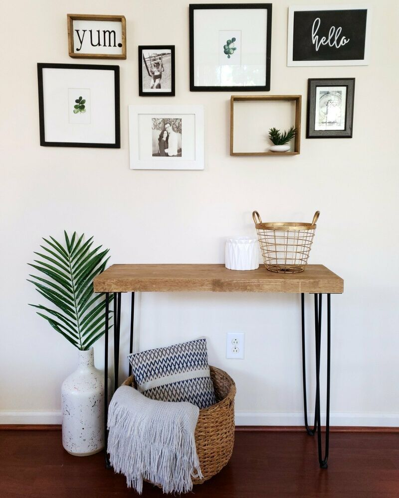 Photo of How to Make a DIY Entryway Hairpin Table