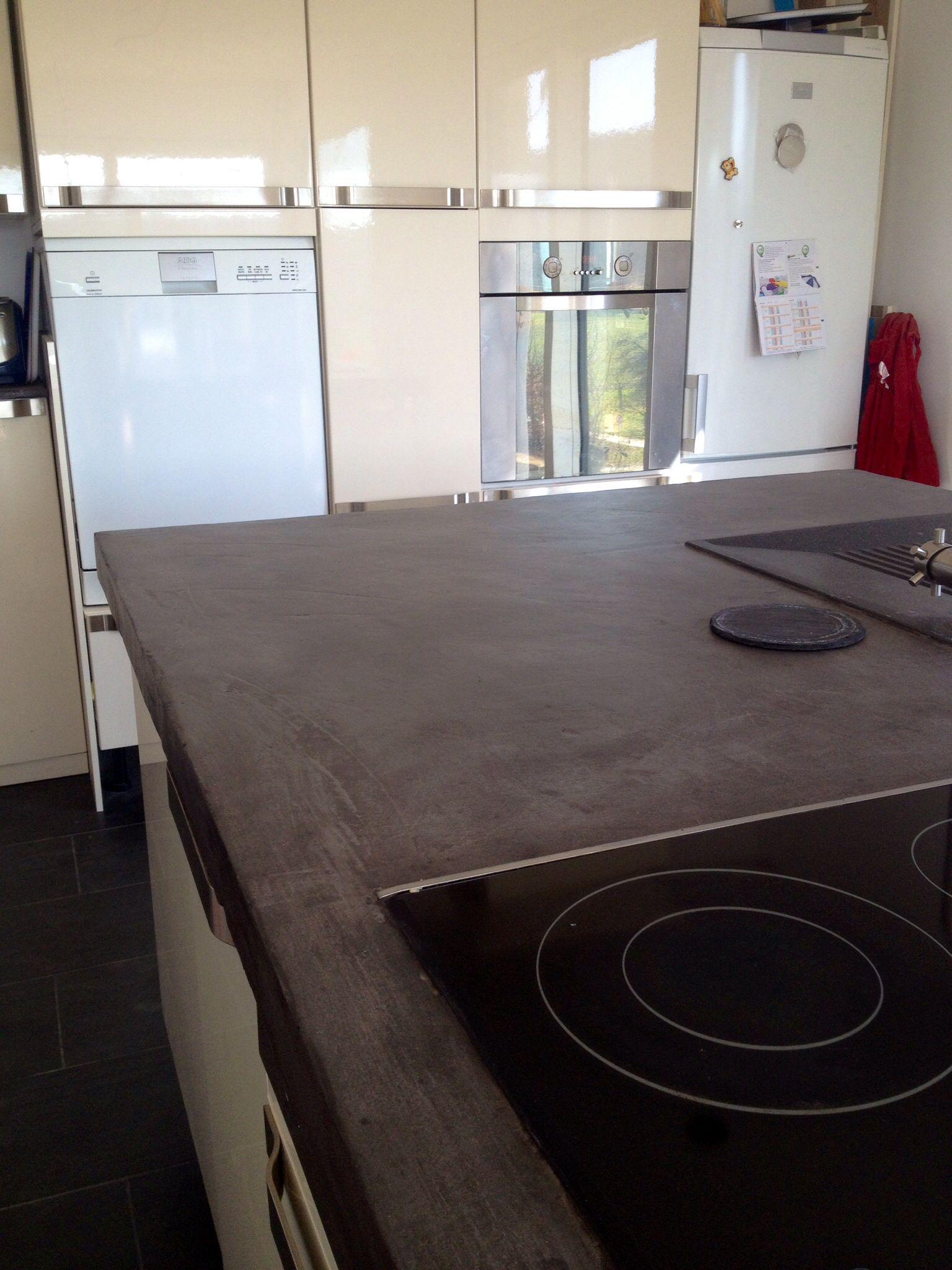 Noch ein Bild der Küchenarbeitsplatte nach der Beschichtung mit ...