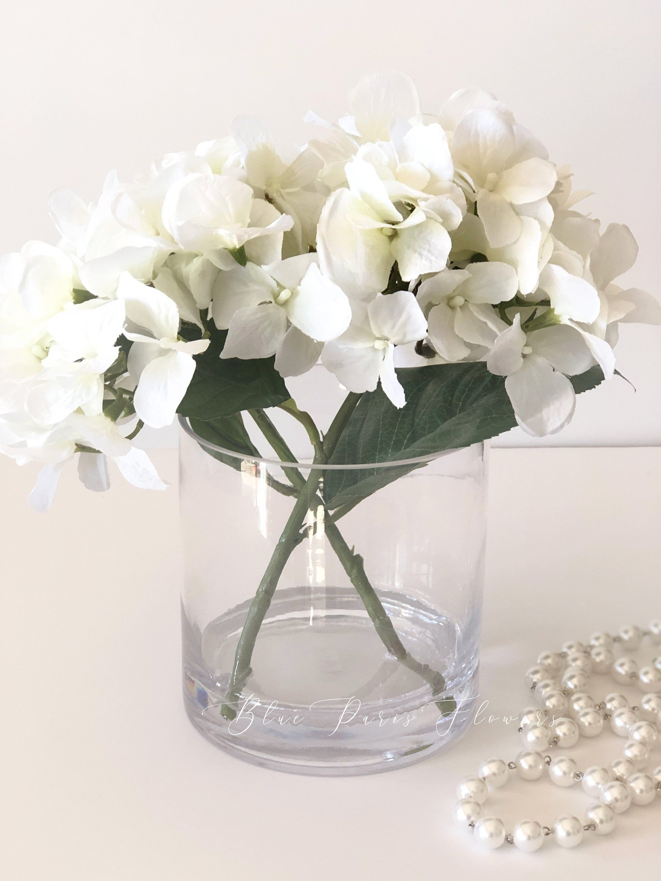Faux Hydrangea Flower In Vase Etsy In 2020 Faux Hydrangea Paris Flowers Clear Glass Vases