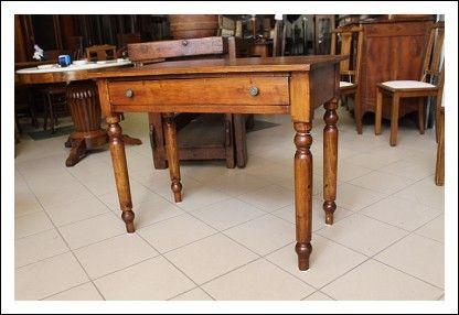 Scrittoio Toscano fine 800 in arte povera, restaurato , scrivania ...